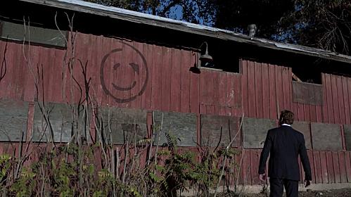 """Patrick Jane découvre """"les débuts"""" de Red John dans l'épisode 13 The Red Barn"""