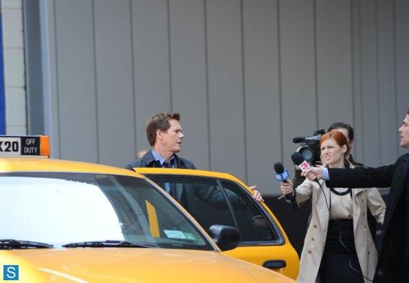 Les journalistes : M hardy ! Cela vaut-il vraiment la peine de regarder la saison 2 Kevin Bacon : Oui.