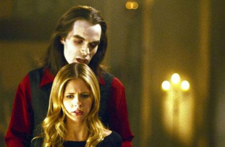 Et en plus Dracula vient faire un petit coucou à la Tueuse !