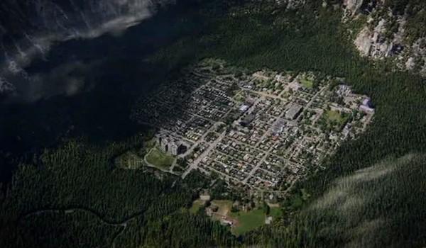 wayward-pines-satellite